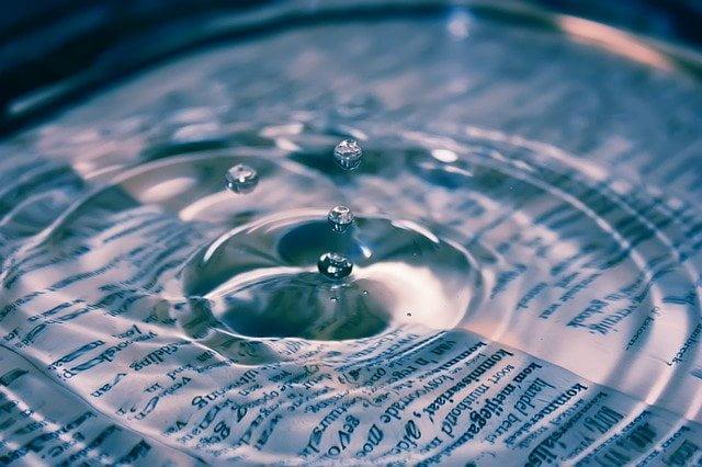 Wasser Buch