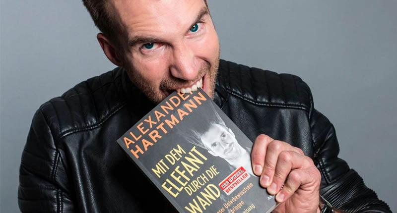 Buchtipp Alexander Hartmann Mit dem Elefant durch die Wand